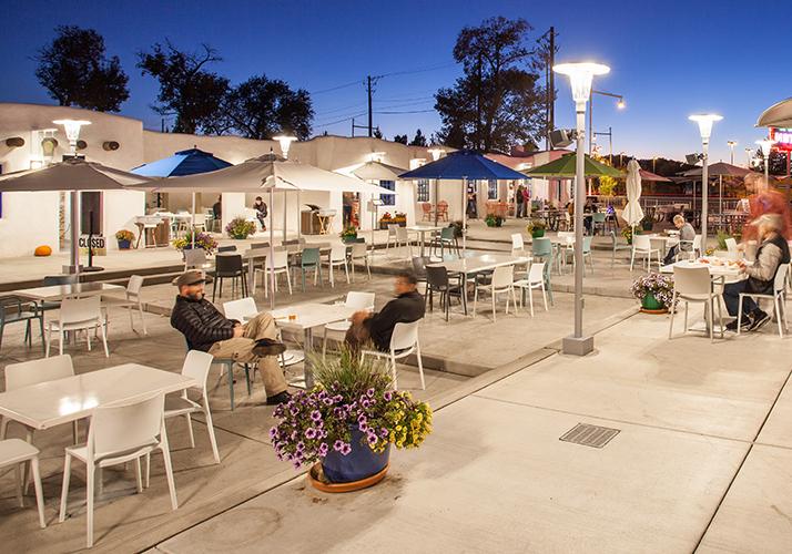 El Vado Motel Plaza outdoor dining seating area
